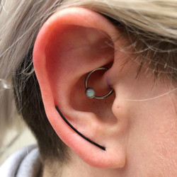 Daith with white opal BCR from qualiti