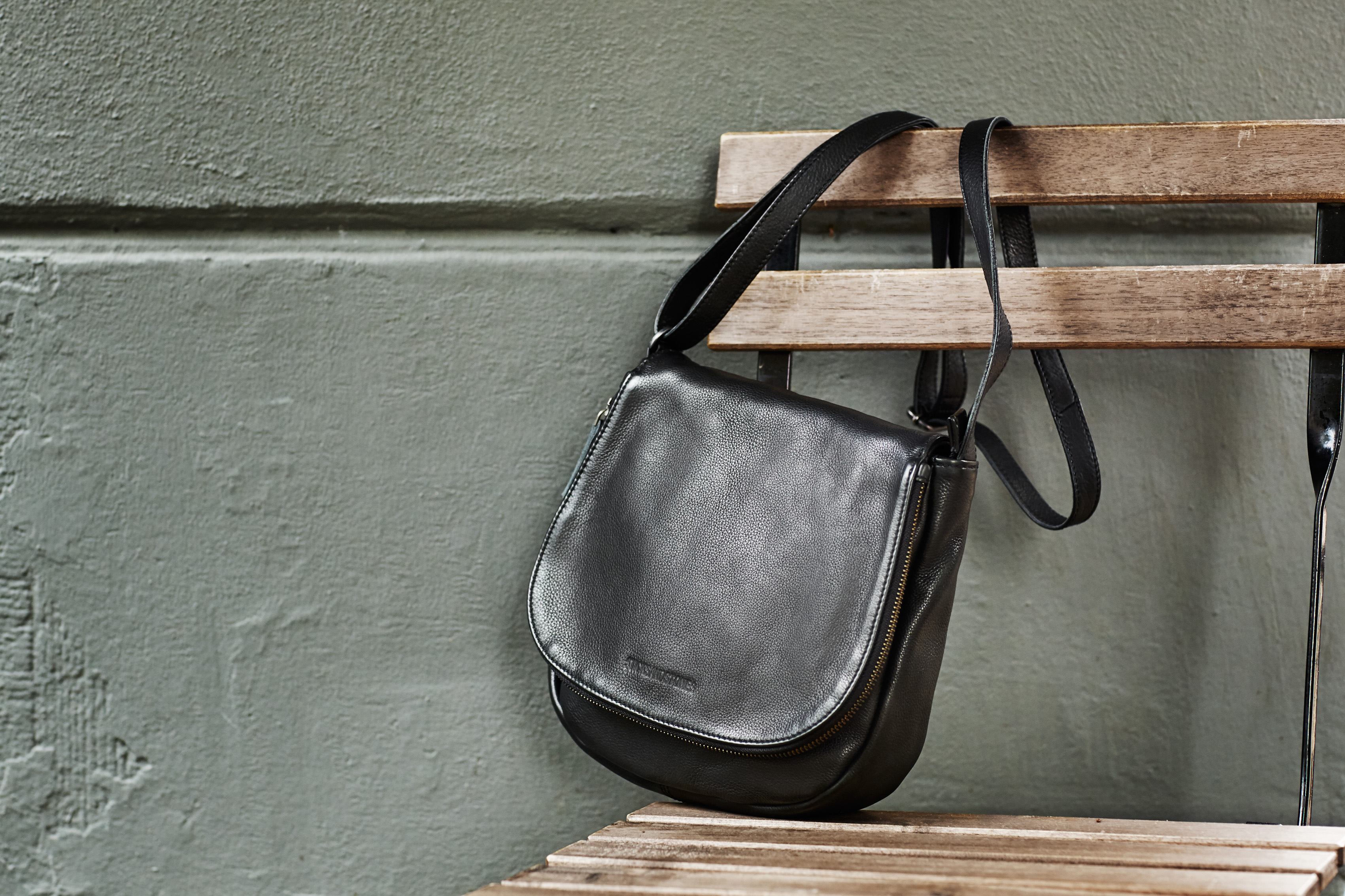 Santiago-Bag-Black-02