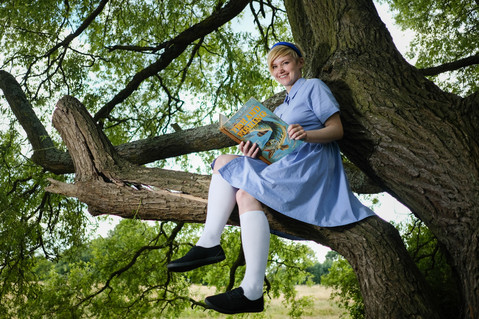 Sally Hodgkiss sitting in a tree k.i.s.s.i.n.g