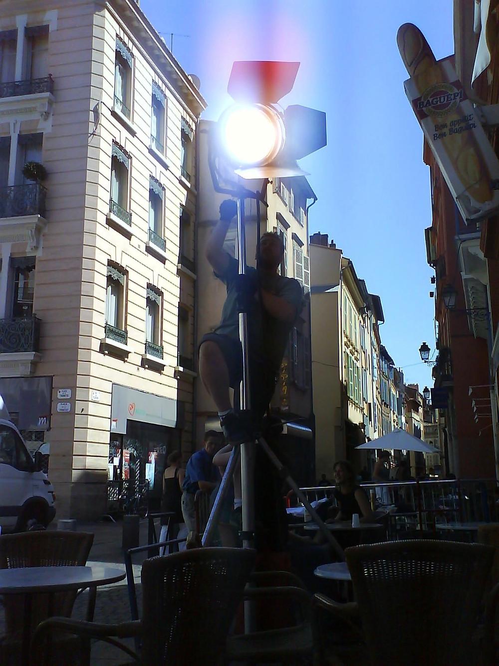 Romain Prouver (chef-électro à l'époque), place de la Trinité à Toulouse...