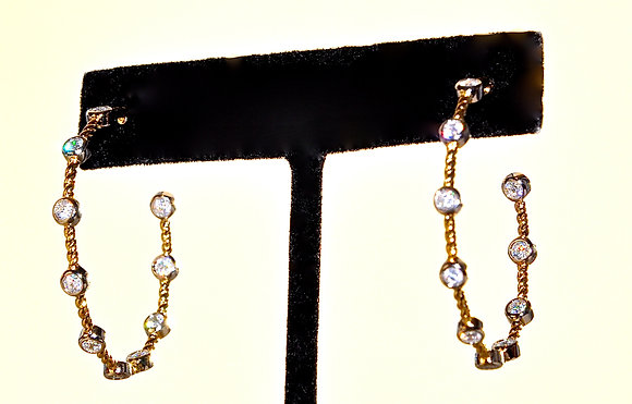 TWO TONE CZ HOOP EARRING (18Kvrm - in-out style)