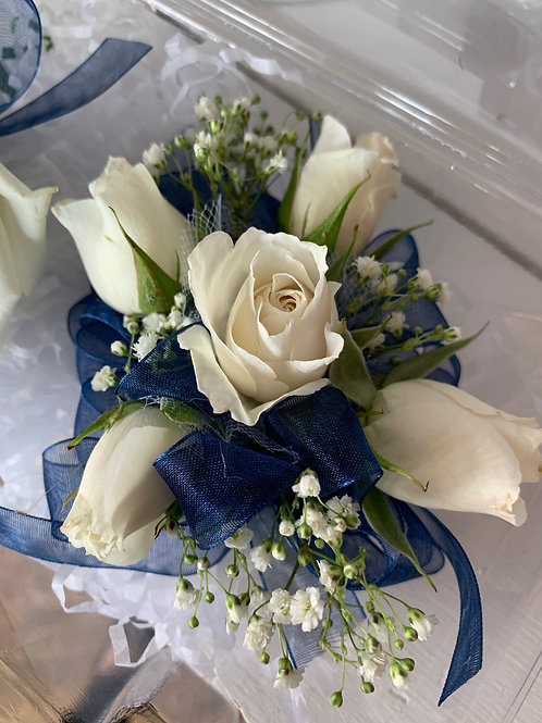 Corsage Only: Mini Spray Roses