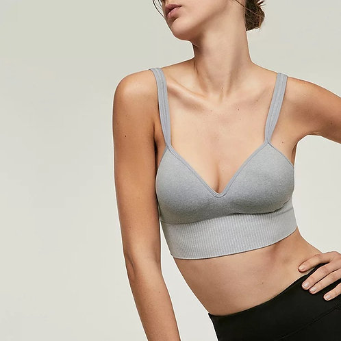 Multi way seamless bra