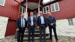 MÆRSK  |  Stjórin bankaði uppá í Tinganesi