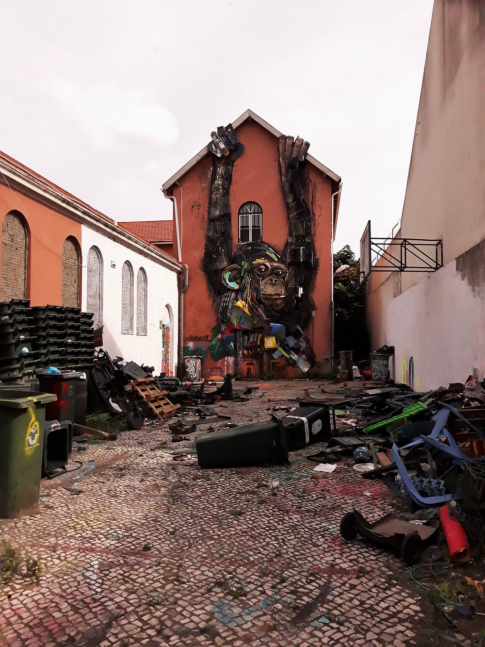 Bordalo II's workshop in Beato, Lisbon, now officially closed- Picture taken by Artrootz