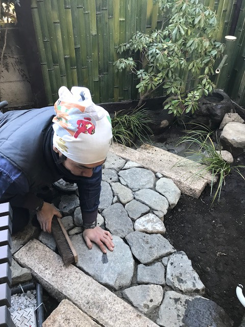坪庭造り 延べ段・飛び石・蹲踞8