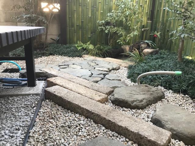 坪庭造り 延べ段・飛び石・蹲踞4
