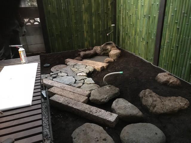 坪庭造り 延べ段・飛び石・蹲踞10