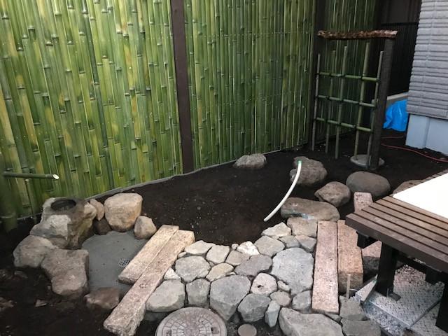 坪庭造り 延べ段・飛び石・蹲踞9