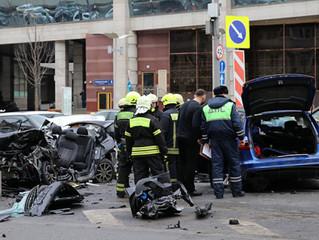 Крупное ДТП в центре Москвы: за рулем был известный блогер Эдвард Бил