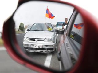 Владельцы автомобилей с армянскими номерами жалуются на регулярные штрафы ГИБДД