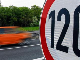 «Наконец-то нам помогают»: россияне оценили решение МВД не снижать порог превышения скорости