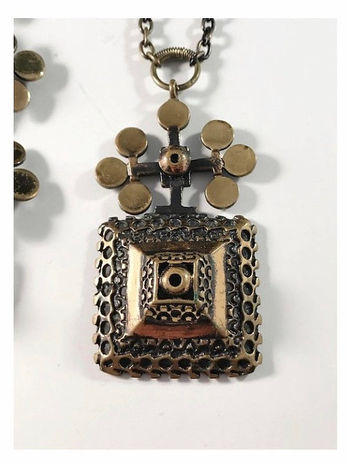 KARELIAN FLOWER pendant