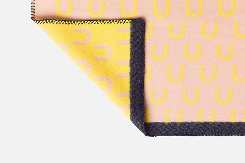 ARCH throw pink/yellow
