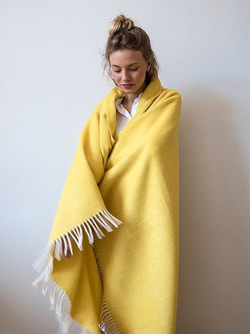 Brita Sweden throw MONO sulphur