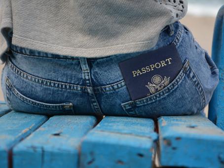 Lepší je mít dva cestovní pasy a legálně
