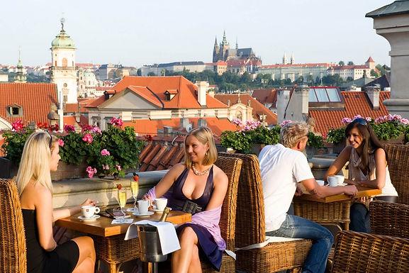 Parádní pražské rooftopy, které vás nezruinují