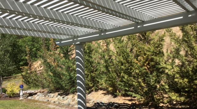 Freestanding Pergola with Columns