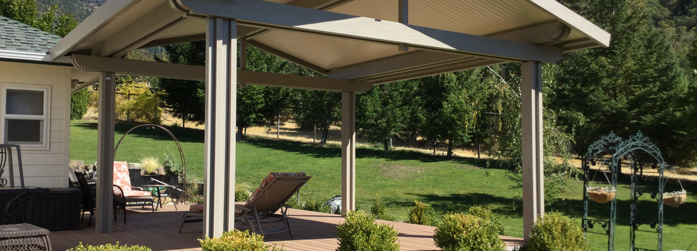 Freestanding In-insulated Patio Cover
