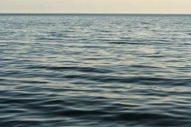 2007 / SAY SEA TAKE ME (series)