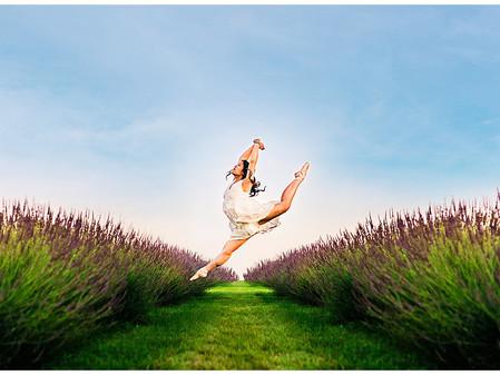 Nicole | Purple Rain Lavender Farm | Mercy High School Senior | Tips for Booking Your Session