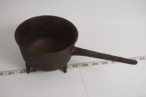 Cast Iron Footed cauldron Pan