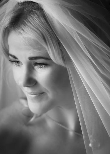 Bride Portrait; Black and white