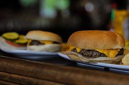 1/4 lb Cheeseburger
