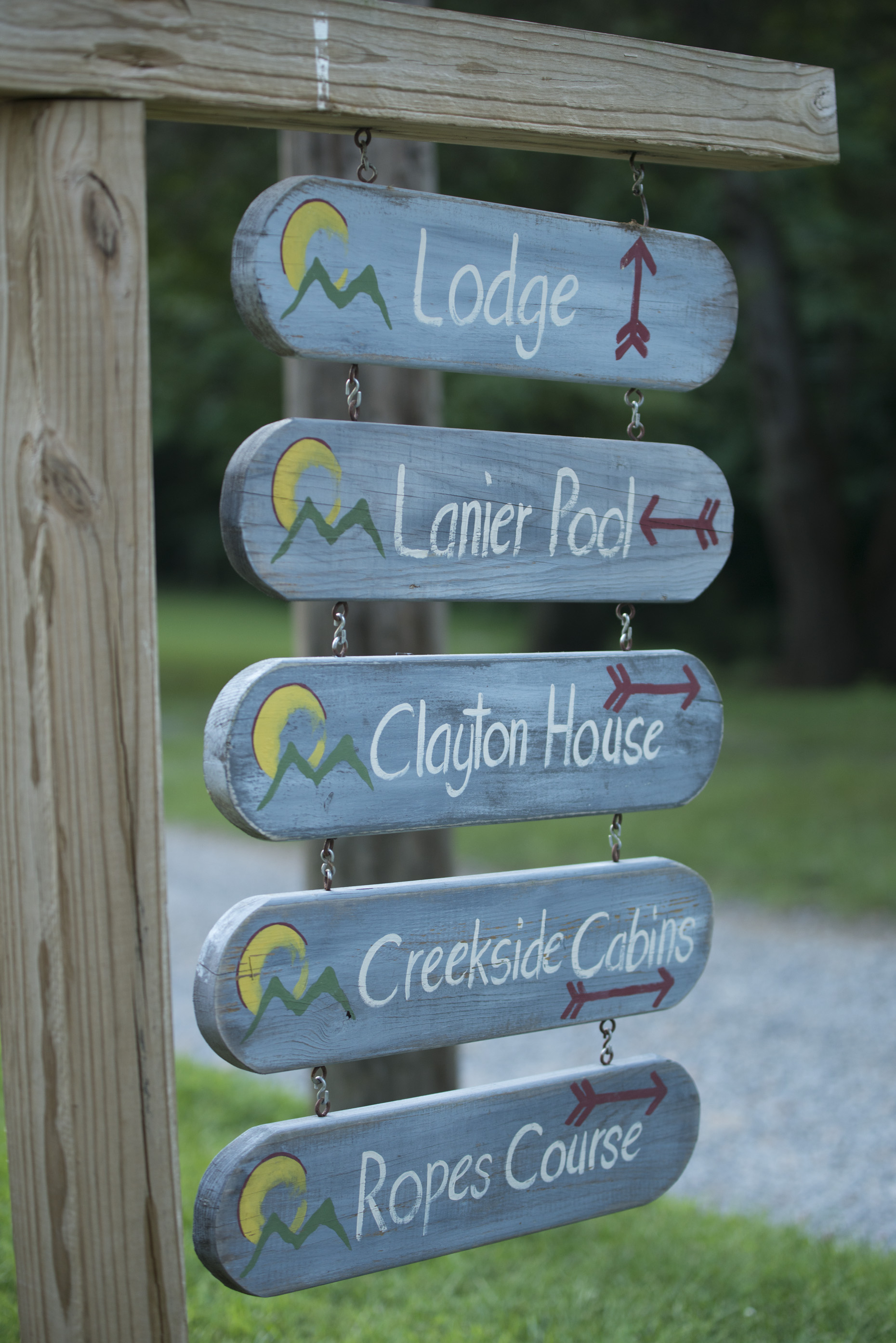 Directional signs at Montvale
