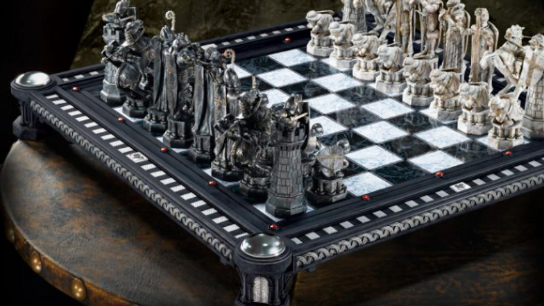 Harry Potter- Final Challenge Chess Set