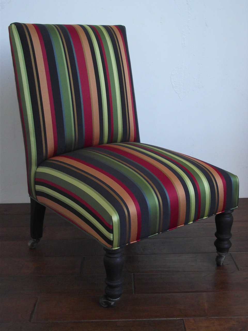 STRIPE SLIPPER CHAIR