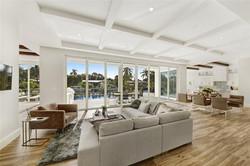 3751 Living room