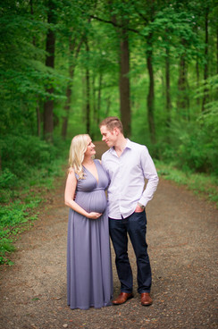 Classic CT Maternity Session _ Ashley Therese Photography-3.jpg