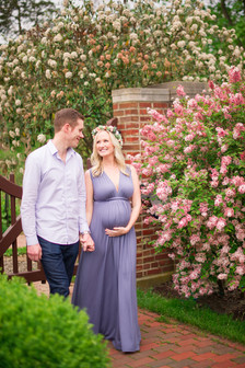 Classic CT Maternity Session _ Ashley Therese Photography-25.jpg