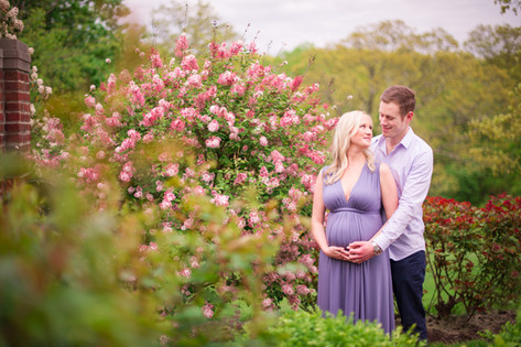 Classic CT Maternity Session _ Ashley Therese Photography-35.jpg