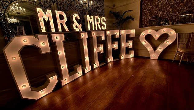 Congrats to Mr & Mrs Cliffe who tied the