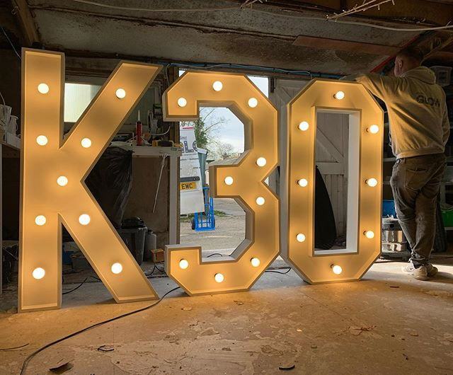 5ft Letters as part of a larger order, r