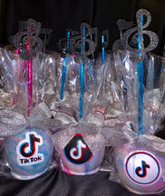TikTok Themed Candy Apples