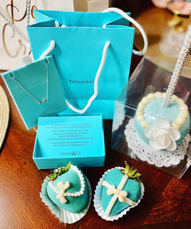 Tiffany & Co. Inspired Chocolate Covered Strawberries and Candy Apple