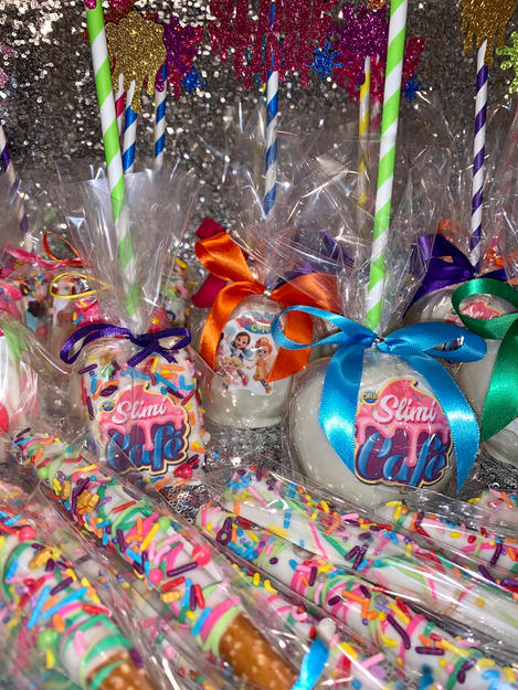 Slim Cafe Themed Candy Apples and Chocolate Dipped Pretzel Rods