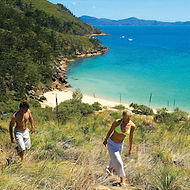 go bareboating. enjoy island bushwalks on uninhabited whitsunday islands