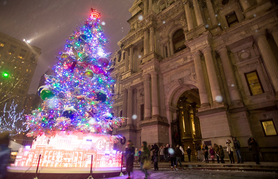 CityHall_HolidayTree_Snow_NOV2017_06-M.E