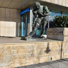 Approaching Shakespeare