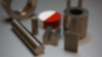 Alnico magneter klarar högst maximal arbetstemperatur. Alnico magneter tillverkas genom gjutning eller sintring och består av ca: 8% Al, 14% Ni, 25% Co, 50% Fe.