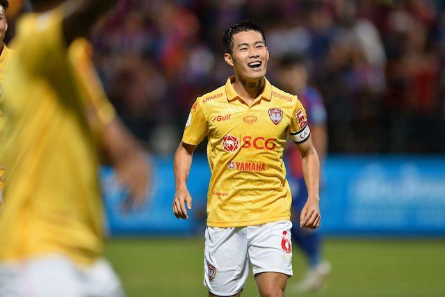 Sarach Yooyen celebrates after scoring against Port F.C.