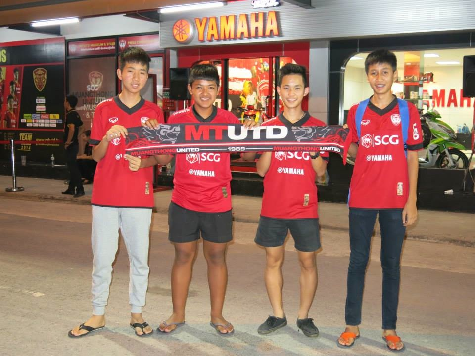 Kirin Fan Photos May 4th vs. Suphanburi - 09.jpg