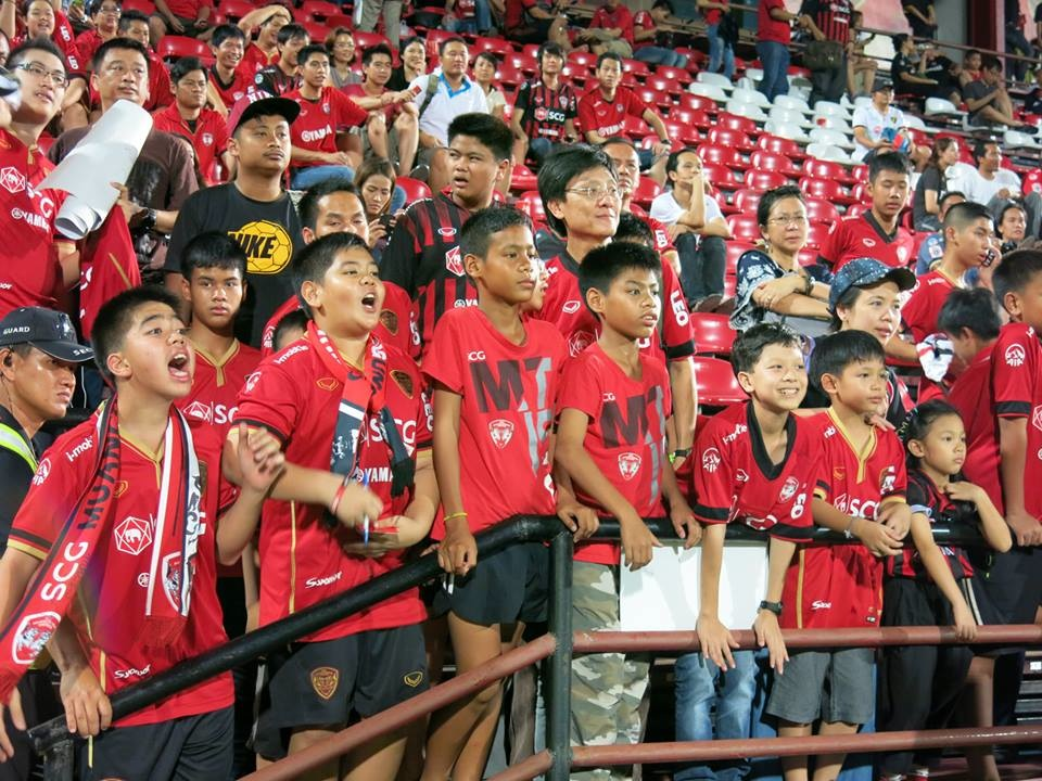 Muangthong Fans Match vs. Army United May 31, 2014 - 29.jpg