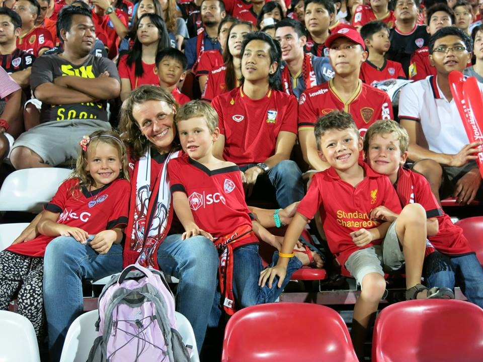Muangthong Fans Match vs. Army United May 31, 2014 - 08.jpg