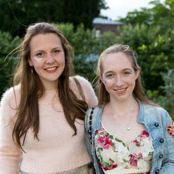 Isy & Laura