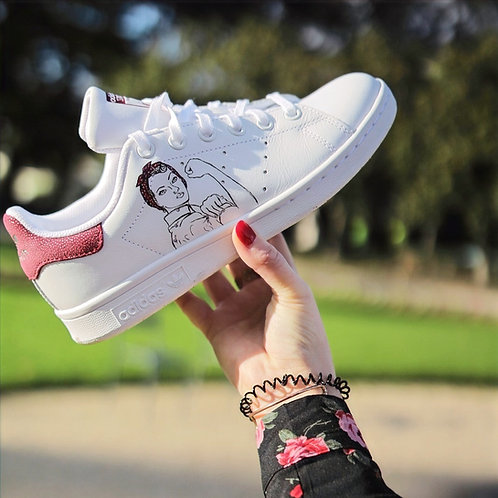 sneakers personnalisées blanches girl power